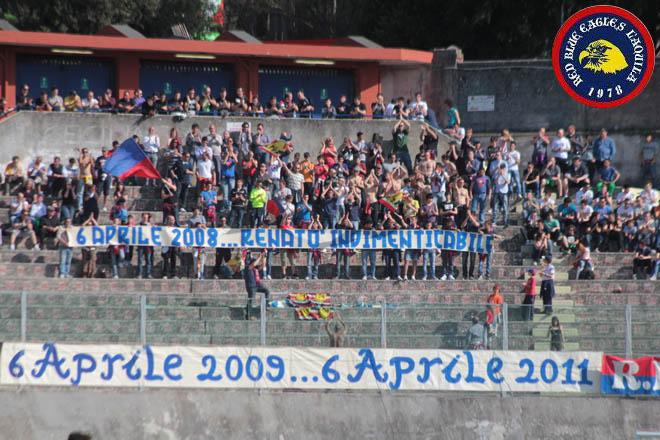Striscione in memoria di Renatò Aprile 2011