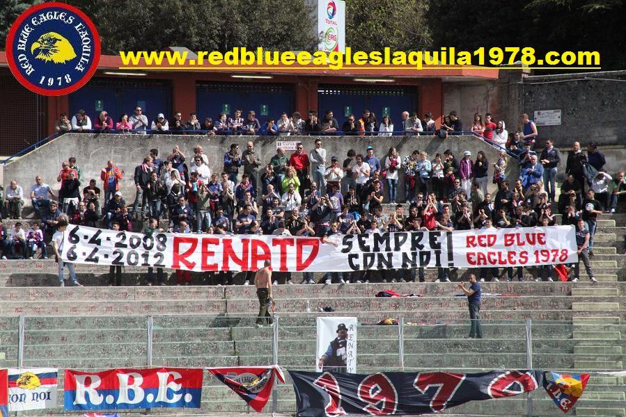 Striscione in memoria di Renatò Aprile 2012