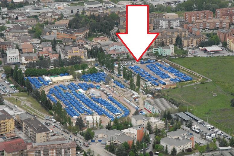 L'area in cui è stato realizzato lo skatepark, Piazza D'Armi, luogo che dopo il terremoto del 6 Aprile 2009, ospitava la più grande tendopoli dell'intero territorio