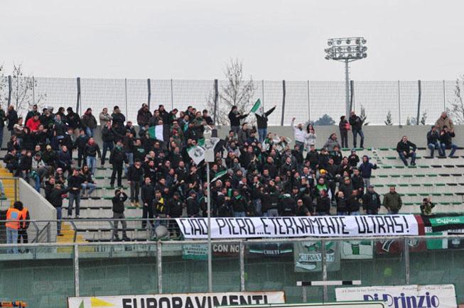 Striscione degli Irriducibili Chieti per Piero 27 Febbraio 2011