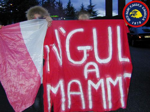 Stendardo e bandiera rubati ai teramani L'Aquila-Teramo 2-03-2003 serie C1