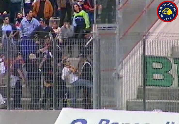 Lancio di torce e oggetti in L'Aquila-Avellino serie C1 Sabato 22-10-2000