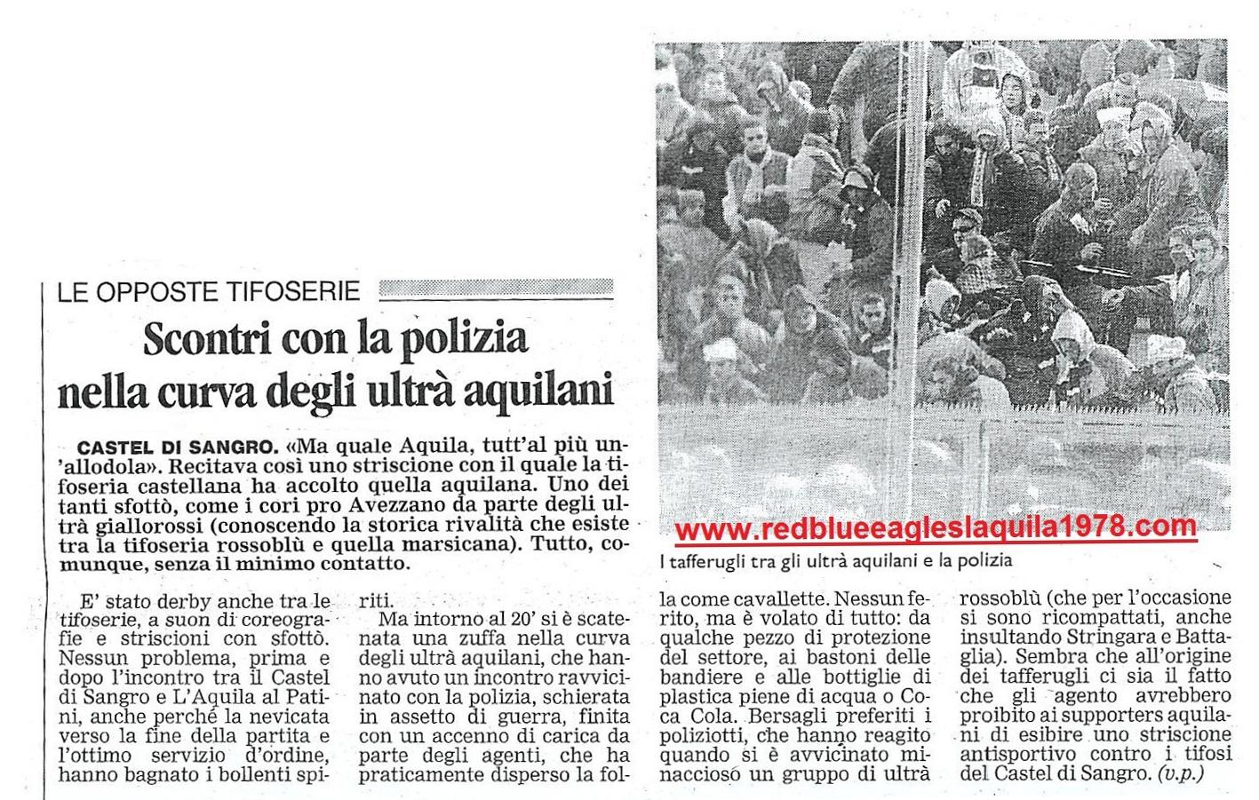 Scontri dentro il settore ospiti con la celere in Castel di Sangro-L'Aquila 22-04-2001 serie C1