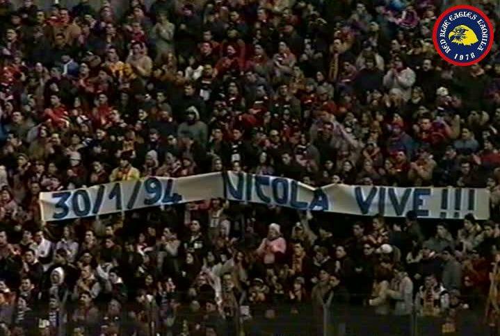 Striscione in memoria di Nicola Mezzacappa anno 2001