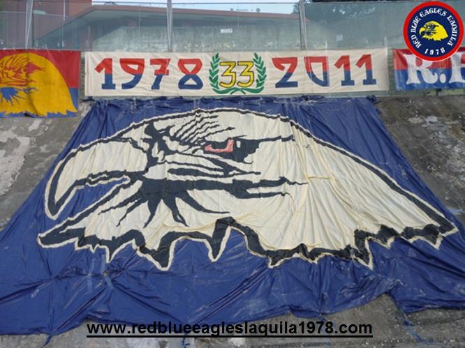 1Preparativi dei 33 anni del gruppo Red Blue Eagles L\'Aquila 1978...Domenica 30/10 2011