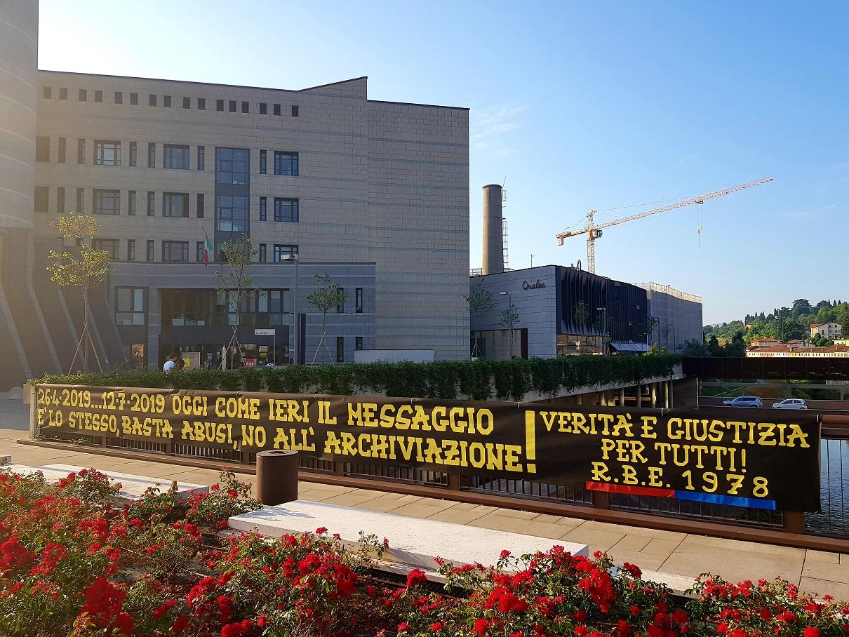 """Tribunale di Vicenza 12 Luglio 2019 """"26-4-2019...12-7-2019 Oggi come ieri il messaggio è lo stesso, basta abusi, no all'archiviazione! Verità e giustizia per tutti!"""""""