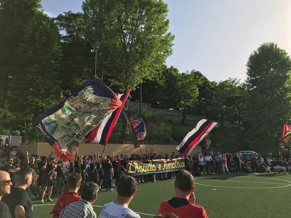 Alla mia terra giuro eterno amor X edizione 8 Giugno 2019 Striscione per l'ASD Amatrice calcio, presente il presidente e la squadra