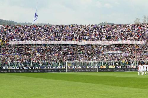 Ultras Fiorentina Curva Fiesole: Perdere casa e affetti significa perdere tutto, popolo d'Abruzzo ci stringiamo al vostro lutto
